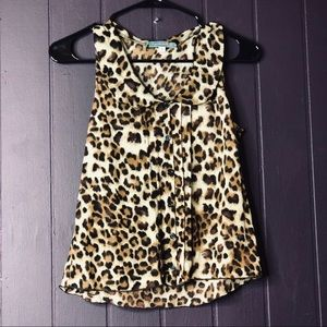 Julies Closet size Small Leopard Bib Collar
